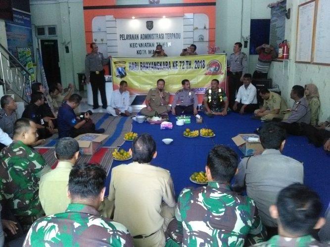 MEMPERINGATI HARI ULANG TAHUN BHAYANGKARA  OLEH TIGA PILAR DI KEC. TAMAN KOTA MADIUN