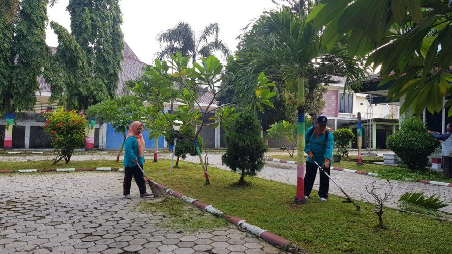 Kegiatan Kerja Bakti Kecamatan Taman